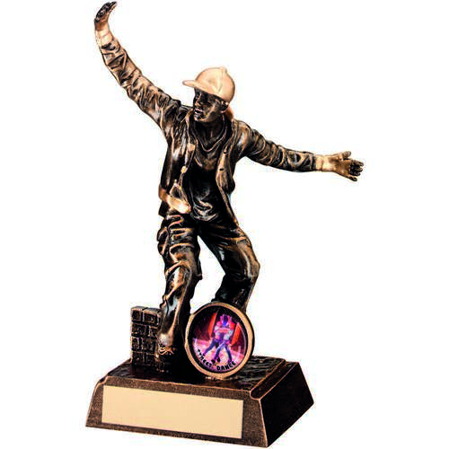 BRZ/GOLD RESIN MALE STREET DANCE FIGURE TROPHY - (1in CENTRE) 7.
