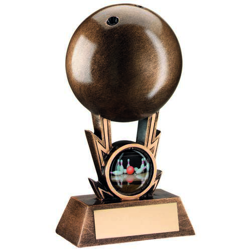 BRZ/GOLD TEN PIN BALL ON STRIKES TROPHY - (1in CENTRE) 4.25in